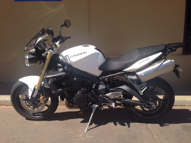 Griffith-Motorcycle-Centre-Pre-Owned-Triumph-Street-Triple-IMG_4033