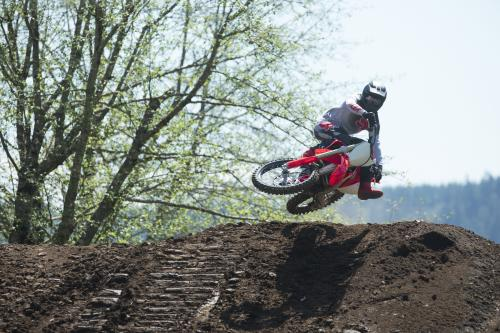 19_CRF250R_Action_S1A0594