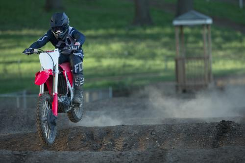 19_CRF450R_Action_M__3714