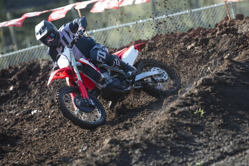 19_CRF450R_Action_S1A0233