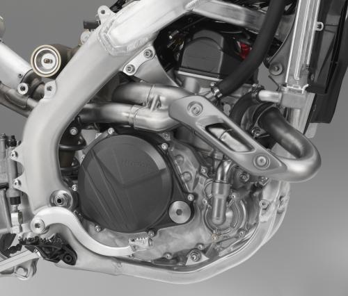 19_CRF450R_ENGINE_RIGHT_R292R_011