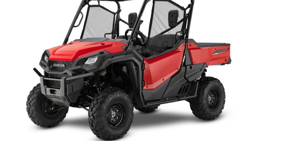 17 Honda Pioneer 1000 EPS - red