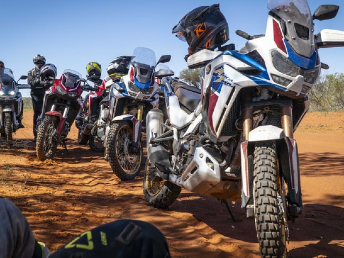 AFRICA-TWIN-ADVENTURE-SPORTS-CRF1100A-CRF1100D-HERO-LIFESTYLE-2